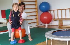 Physiotherapie-Behandlung für Kinder in der Praxis von Meike Roording in Düsseldorf Angermund
